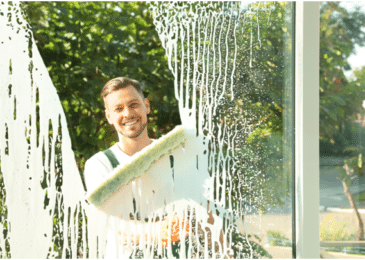 Window Wiping 101: What Is the Best Thing to Clean Windows With?