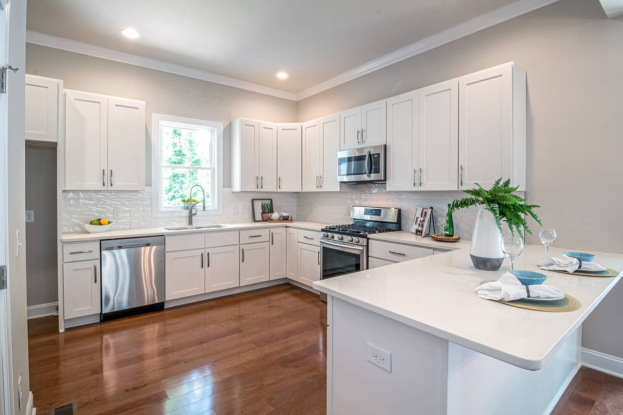 Ways To Make Use Of Huge Kitchen Space