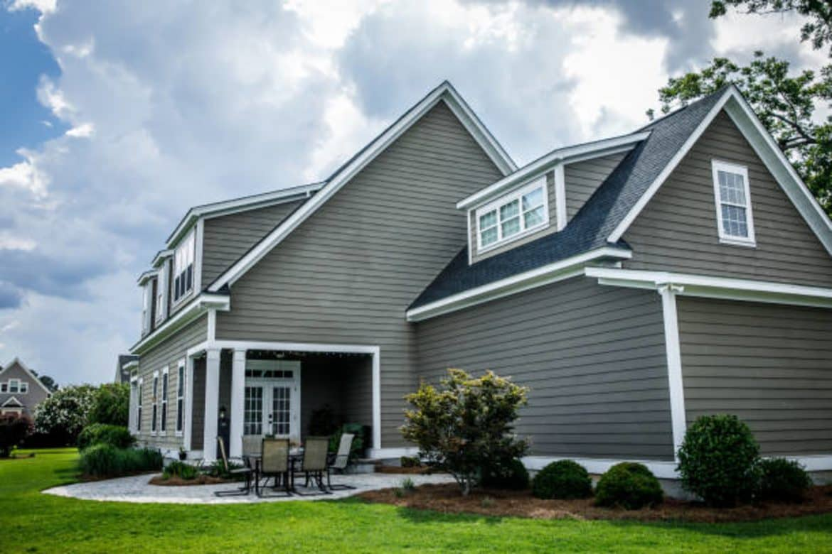 reasons to install a new house siding