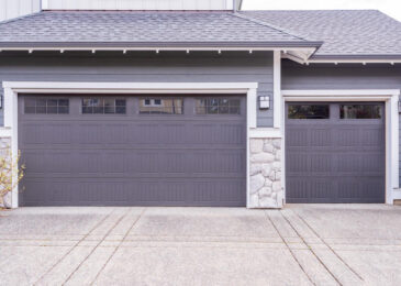 Several Garage Door Maintenance Tips for Homeowners